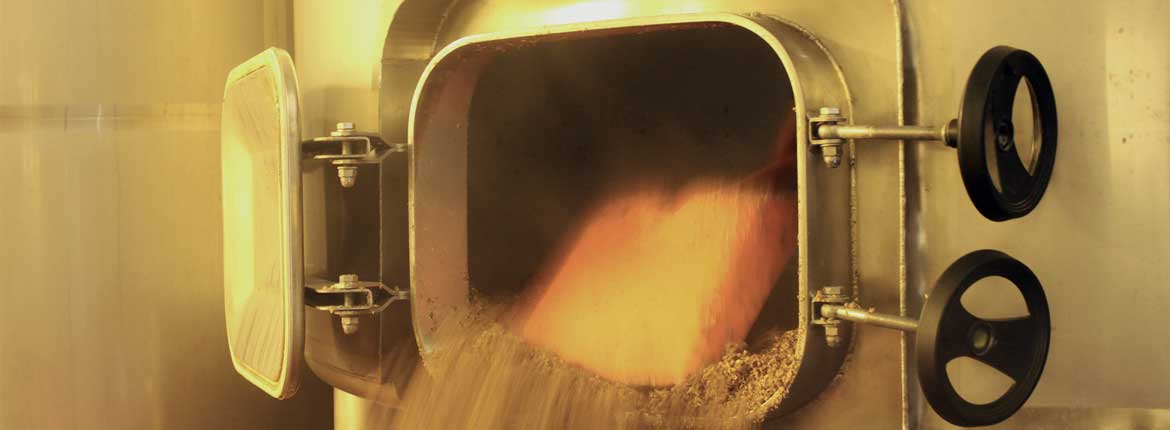 Brewery-Emptying-Mash-Tun-Colour-wide